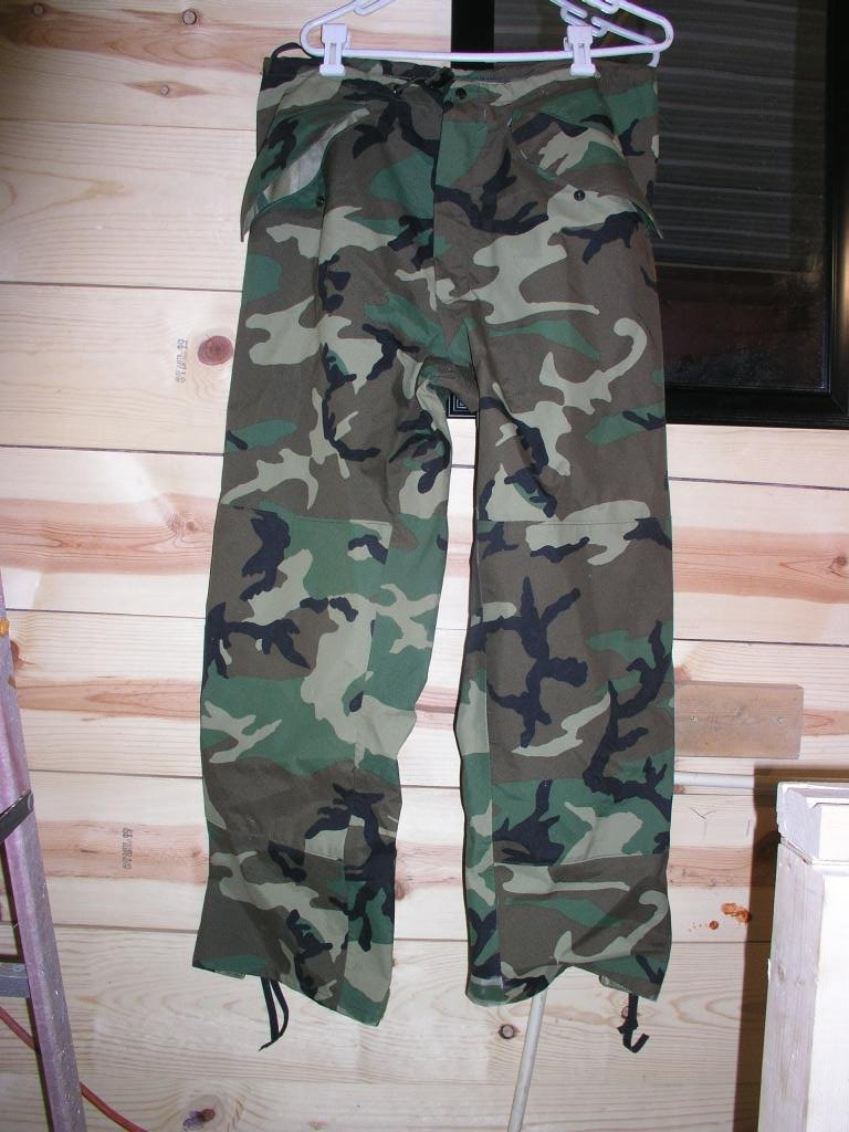 US Army NATO Camo Goretex Rain Pants Med Short